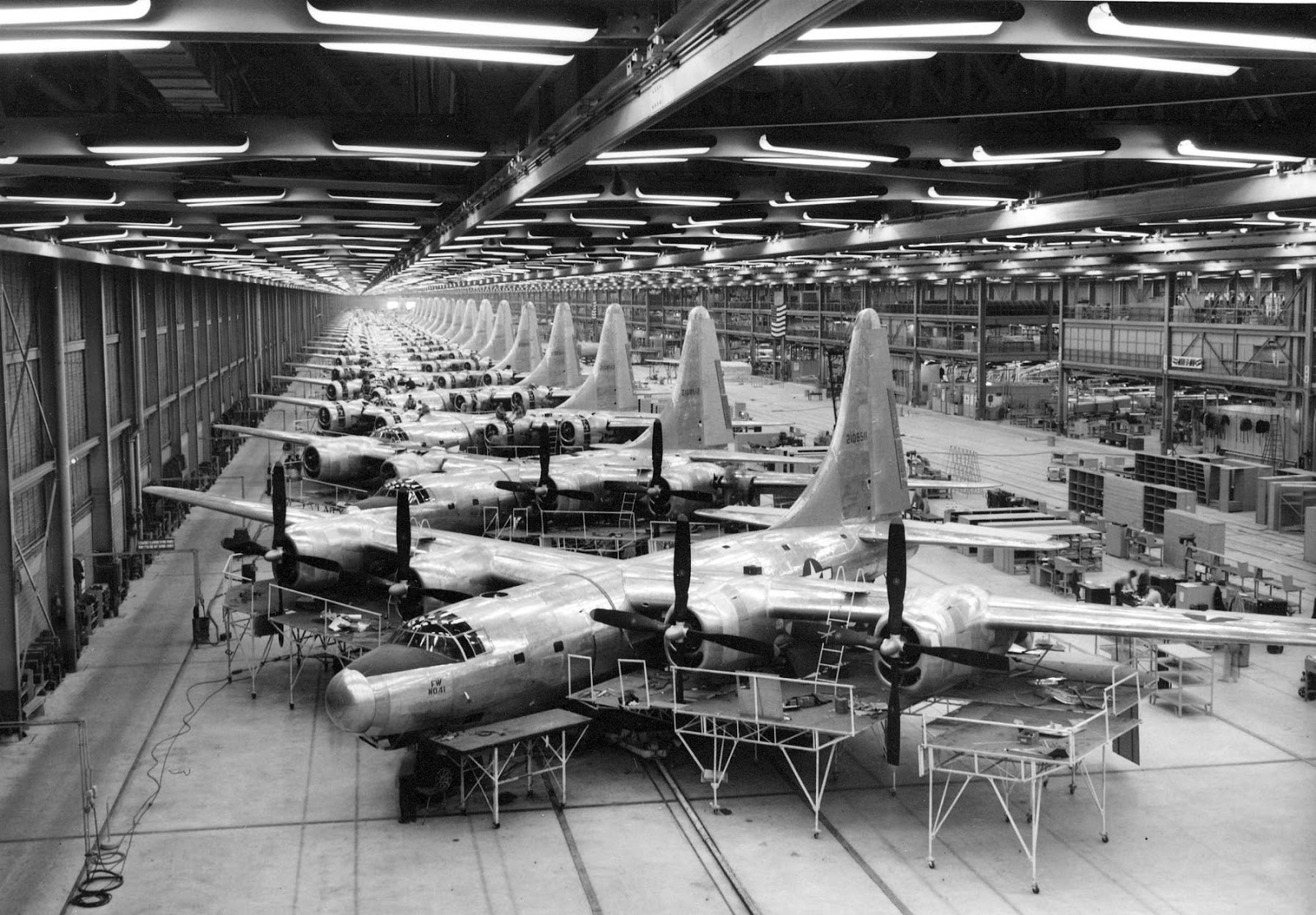 the domination of british aircraft during wwii Written by david boyd thursday, 01 january 2009 21:06 production of british aircraft by year here is a list of production figures for british aircraft by year during wwii.